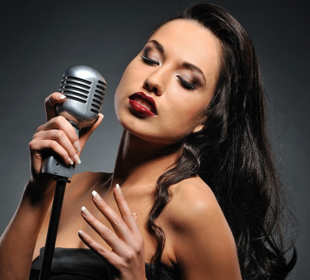 Фото девушек певцов