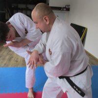 №9502 Тренировка. Обучись самообороне.
