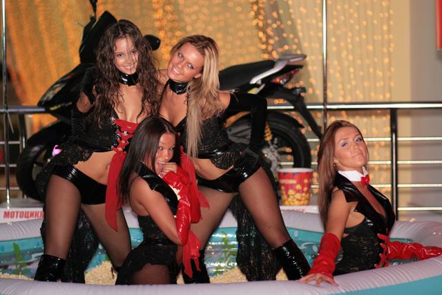 №5276 Танцовщица,шоу-балет,консумация,работа за рубежом,работа для девушек,работа в ночном клубе,контракт,легально