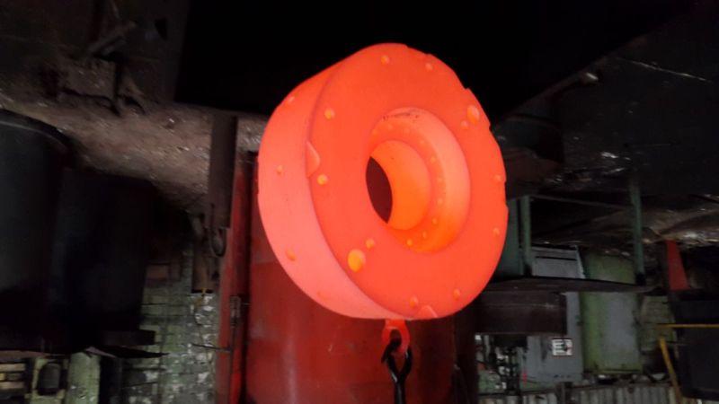 №5733 Термическая обработка стали и других материалов.