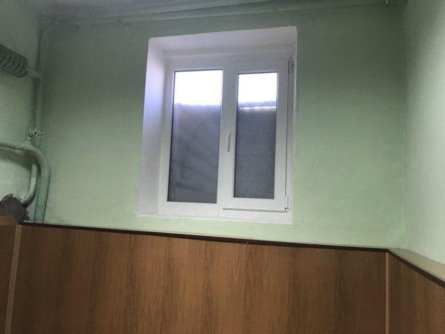 №22664 В центре полуподвальное помещение. 3 комнаты.