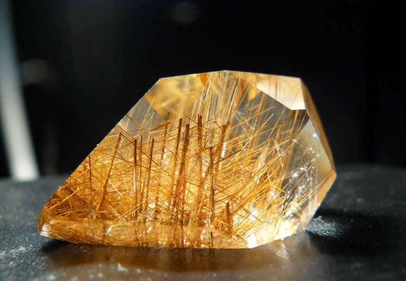 №24425 Камінь, Рутиловий кварц