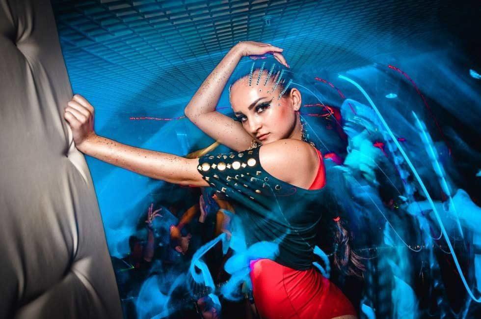 №24750 Танцовщицы, требуются девушки умеющие танцевать